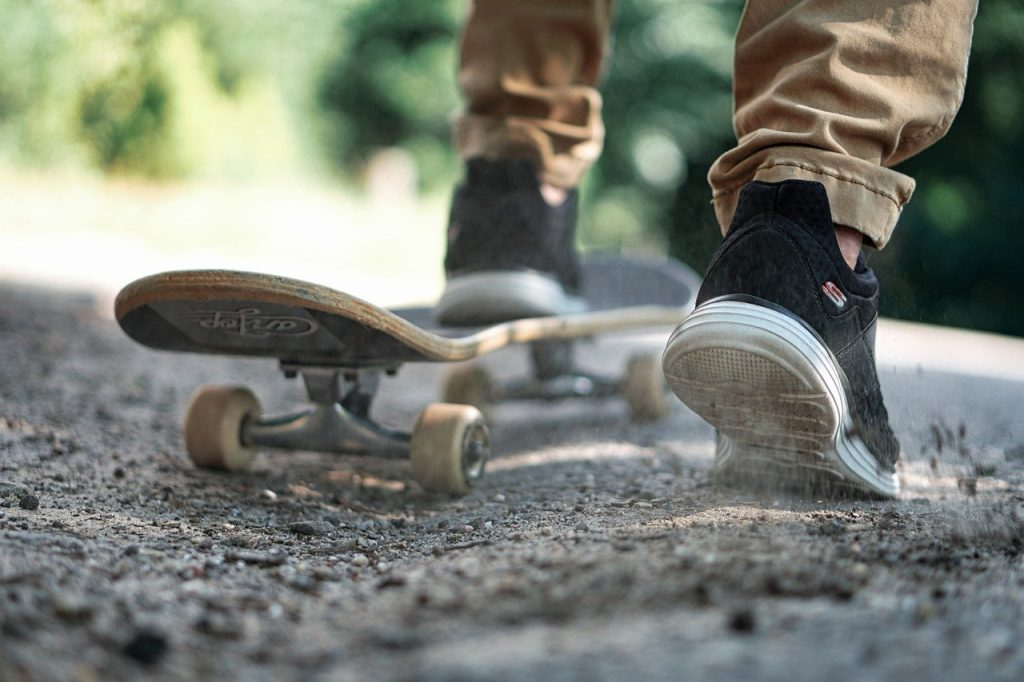 buying a complete skateboard